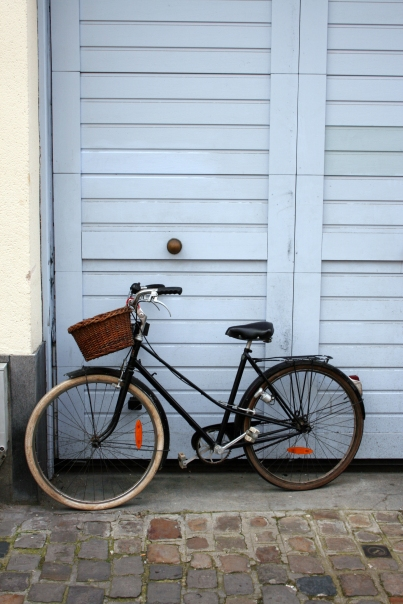 Bicycle with basket, Lille
