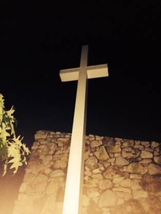 Cross pic_lakeview_1