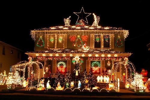 outdoor-christmas-light-hangers-3